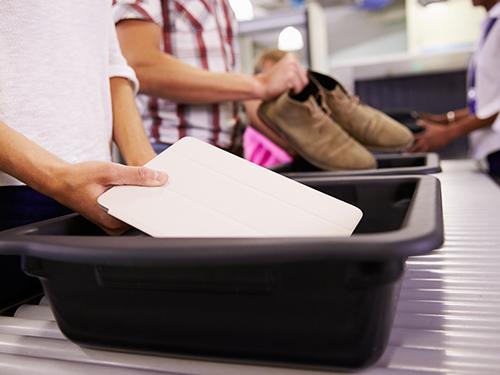 controle-securite-aeroport