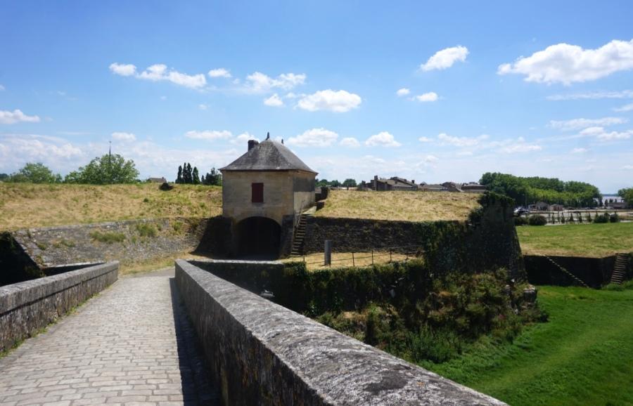 Promenade au sein de la citadelle de Blaye